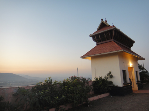 places to see near pune ayyappan hill temple