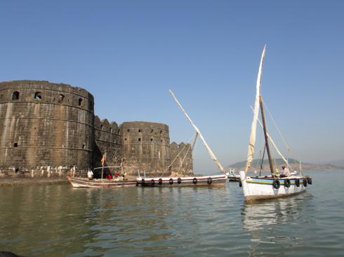 places to see near pune murud janjira sea fort