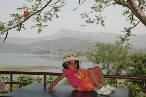 places to see near pune splendour country club