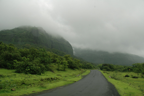 places to see near pune tamhini ghat