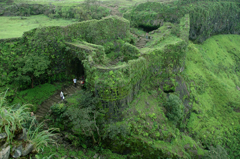 places to see near pune korigad fort