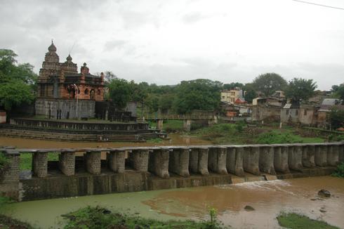 Balaji_Temple_Narayanpur_Pune_01