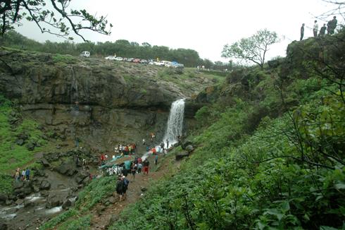 lonavala_waterfall_pune_4
