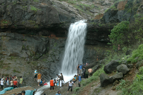 lonavala_waterfall_pune_5