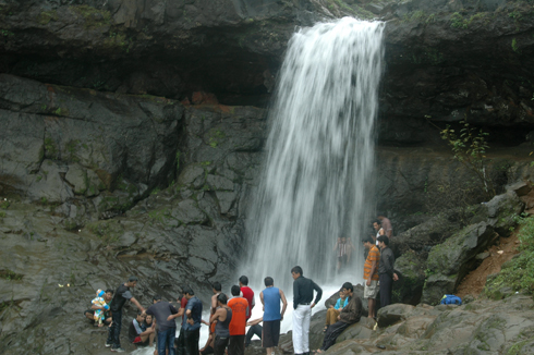 lonavala_waterfall_pune_7