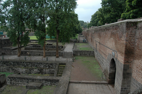 shaniwar_wada_fort_mansion_pune_11