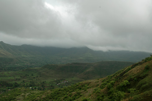 sinhagad_lion_fort_pune_28