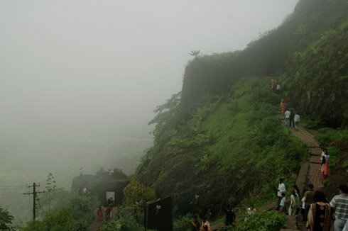 sinhagad_lion_fort_pune_37