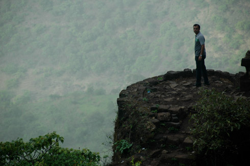 sinhagad_lion_fort_pune_38