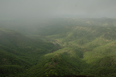 sinhagad_lion_fort_pune_40