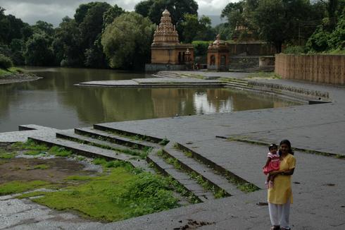 wai_village_menavali_ghat_temple_07