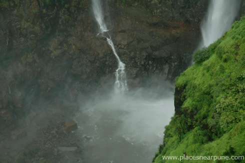 thoseghar_waterfall_satara_monsoon_5
