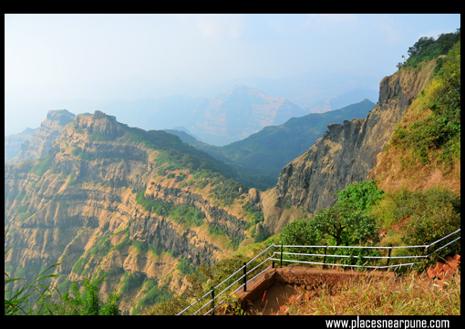 arthurs_seat_view_point_mahabaleshwar_10