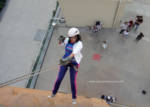 Rapelling at seasons mall