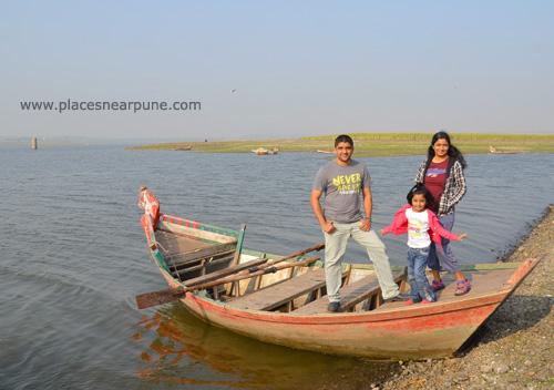 bhigwan_boating_flamingos