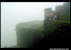 wet_and_wild_lohagad_fort