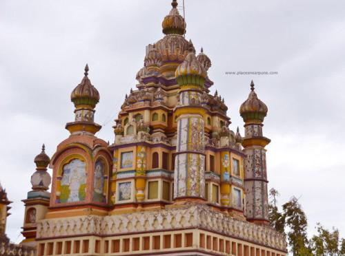 Khandoba_Delawadi_Temple_2.jpg