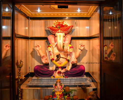 Famous Ganapati Mandals in Pune Photo Walk