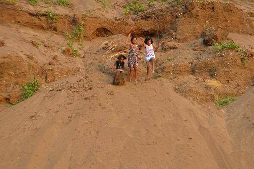 Kelshi village sand dunes