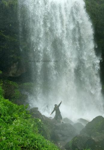 thokarwadi-waterfall-kanhe-khandi
