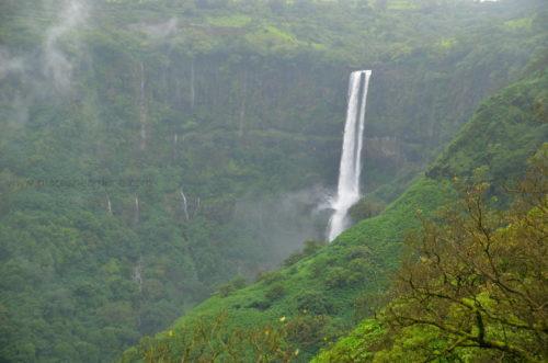 vajrai_waterfalls_near_kaas_satara